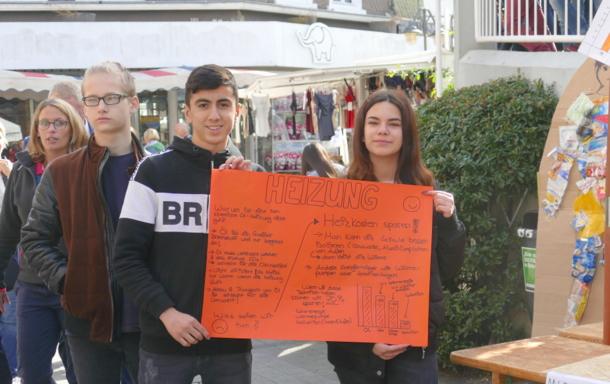 """Die Schülerinnen und Schüler der """"Bertha"""" zeigten auf, was im Alltag für das Klima getan werden kann. (Foto: ma)"""