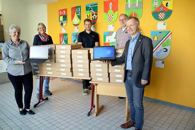 Laptops für die Bad Honnefer Schulen