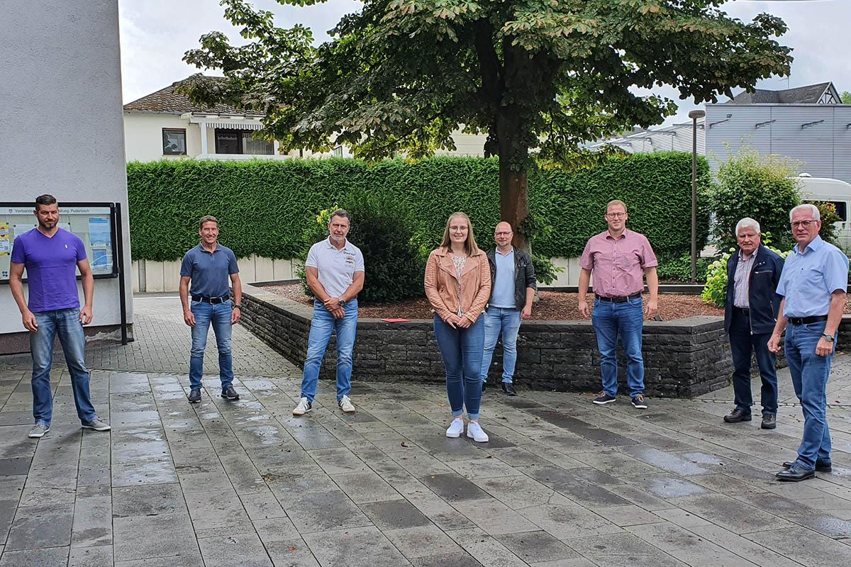Verwaltung Puderbach begrüßt neue Anwärterin für zweites Einstiegsamt