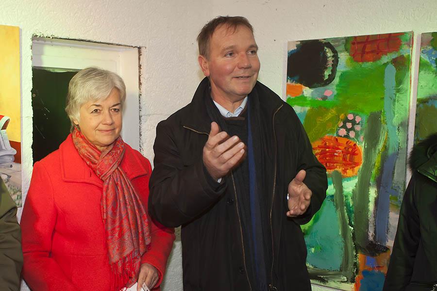 """Schwungvolle Vernissage der Ausstellung """"Lichtblicke"""" im Uhrturm Dierdorf"""