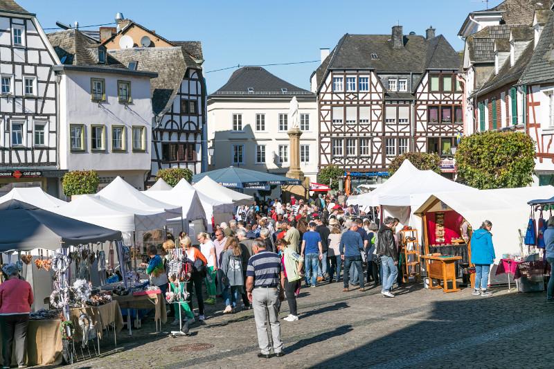 Linz lädt ein zum Kunsthandwerkermarkt