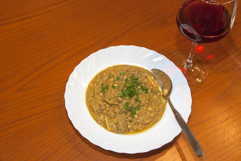 Westerwälder Rezepte: Kräftige Linsensuppe mit Rindfleisch