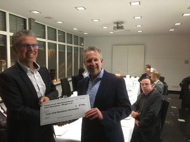 Lionsclub Mons Tabor spendet Geld an die Tafel