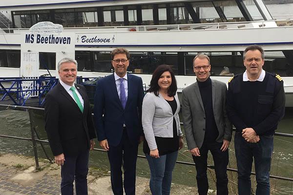 Neues Angebot für Gäste - Regelmäßige Rhein-Schifffahrt