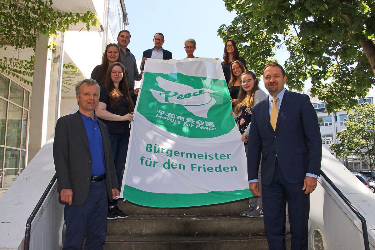 "Bad Honnef hisst Flagge der ""Mayors for Peace"" gegen Atomwaffen"