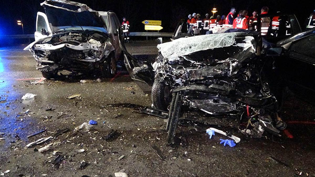 """An der Unfallstelle sah es aus wie """"auf einem Schlachtfeld"""". (Foto: RS Media)"""