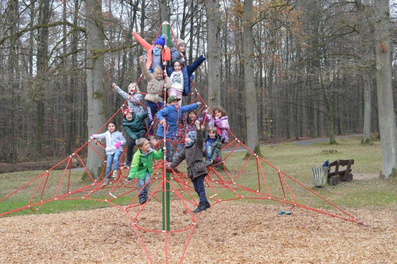 Kinderspielplätze werden gut gepflegt und regelmäßig ergänzt