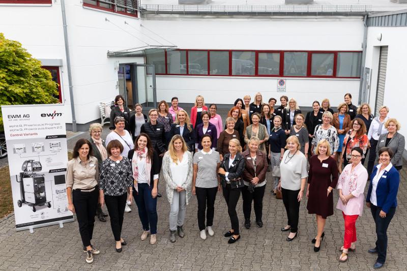 Dialog und Austausch zwischen Unternehmerinnen