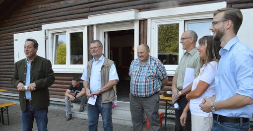 """""""Multitalent Wald"""": Neuer Themenwanderweg eingeweiht"""