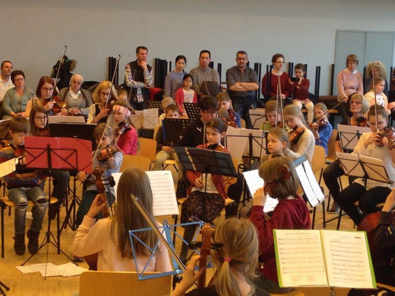 Kreismusikschule �von klein bis groߓ gibt Konzert im Kulturwerk
