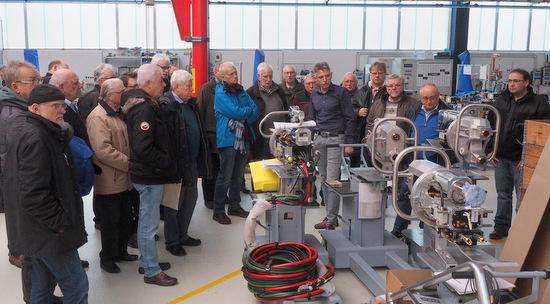 Köttinger Sänger besuchten Roboter-Schweißzangen-Pionier