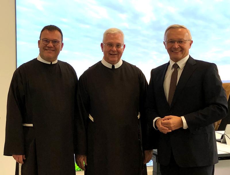 Neuer Generalober der Franziskanerbrüder besuchte den Landrat