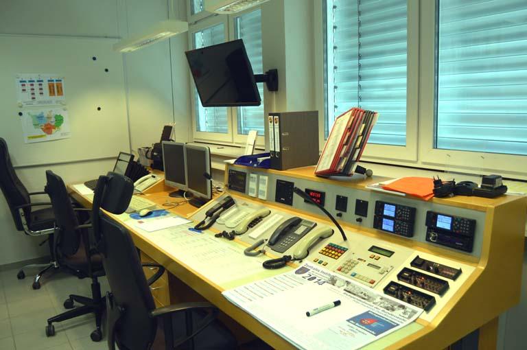 Symbolfoto: Feuerwehreinsatzzentrale im Gerätehaus Neuwied.
