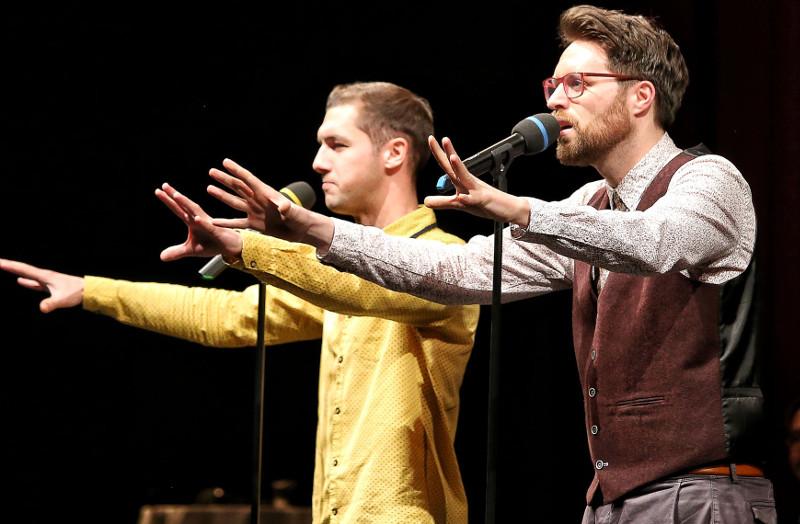 """Zu den Fotos: Im Team wird der Poetry Slam noch intensiver. Im Big House entern die Fabelstapler (Foto), Wort & Wagemut sowie """"Der alte Mann und das Mehr"""" die Bühne. Foto: Stadt Neuwied"""