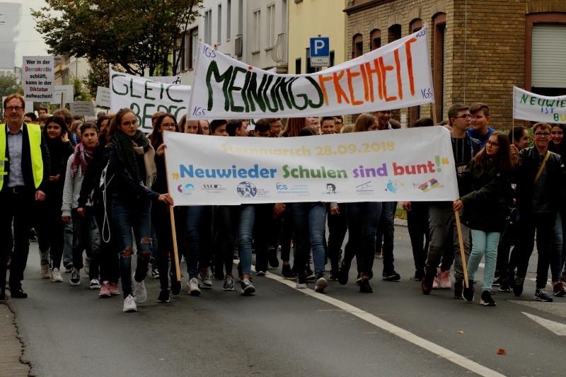 Neuwieder Schüler gingen für Vielfalt auf die Straße. Foto: Privat