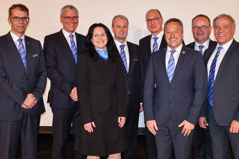 Raiffeisenbank plant Leuchtturmprojekte