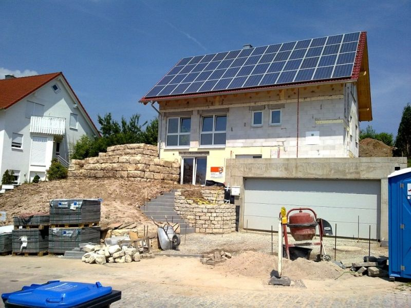 Neubau mit Photovoltaikanlage. Foto: pixabay.com (Veranstalter)
