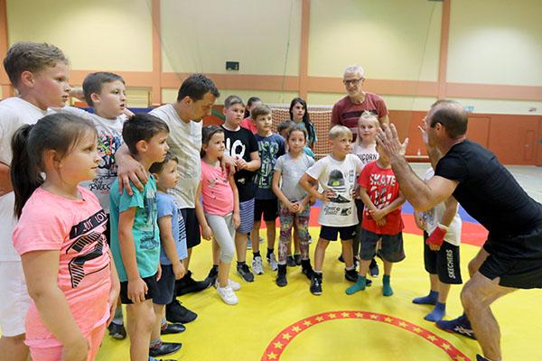 Ringer kooperieren mit der Carmen-Sylva-Schule