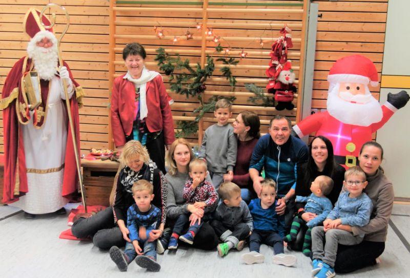 Nikolausfeier des Kinderturnclubs in der Turnhalle Hachenburg