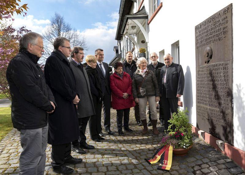 Erinnerung auf Nistermühle an 50. Todestag von Adenauer