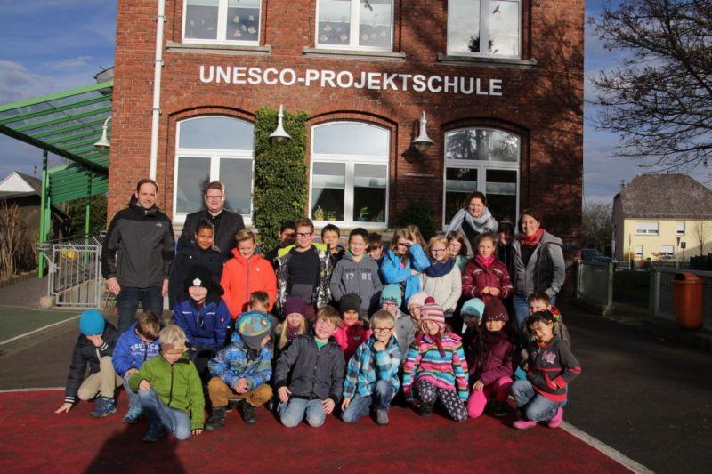 Kampf für die Unesco Grundschule in Norken