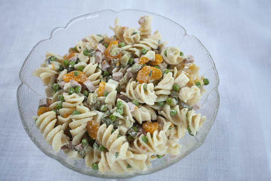 Westerwälder Rezepte: Fruchtiger Nudelsalat für warme Tage