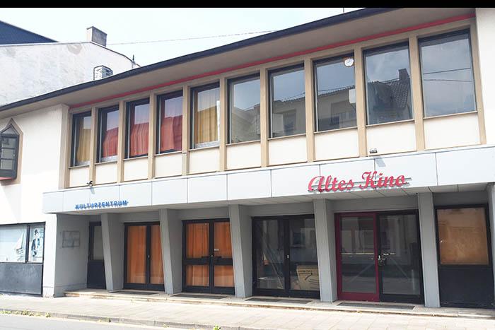Studierende der Hochschule Koblenz haben sich mit Ideen für eine Wiederbelebung des Alten Kinos beschäftigt. Foto: Stadt Bendorf