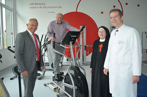 Förderverein Kamillus Klinik überreicht Gerät für Physiotherapie