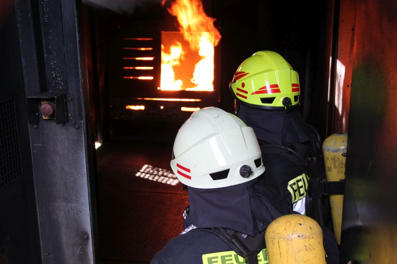 Westerwälder Feuerwehren trainierten in Brandsimulationsanlage
