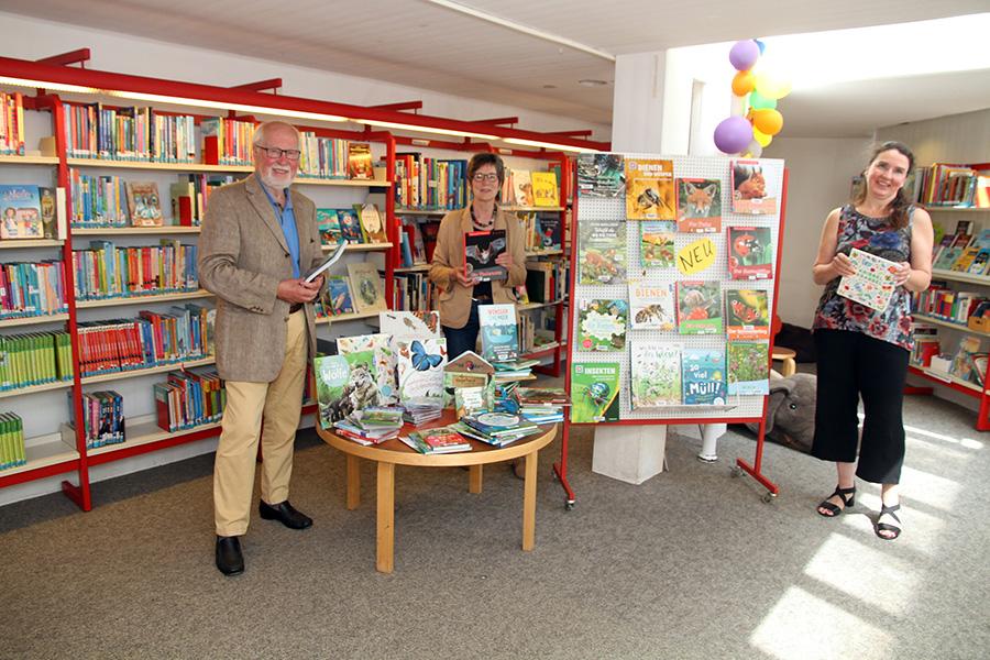 Lions Club spendet erneut 2.000 Euro für die Stadtbücherei