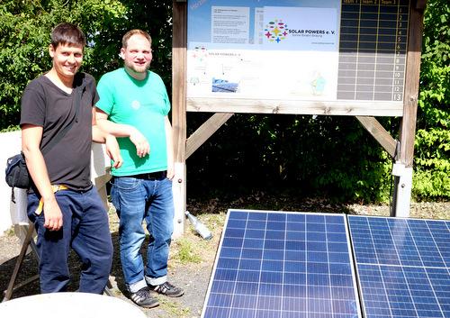 """Klimaschutz beim Traktor-Treffen: Berliner Verein zeigt """"Insel-Solaranlage"""""""