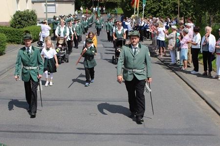Leuzbach feiert drei Tage Sch�tzenfest