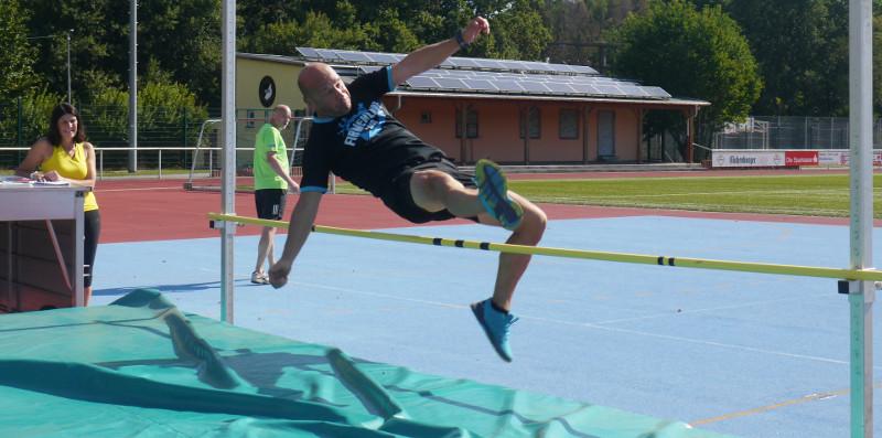 Lauftreff Puderbach  trainiert für das Sportabzeichen