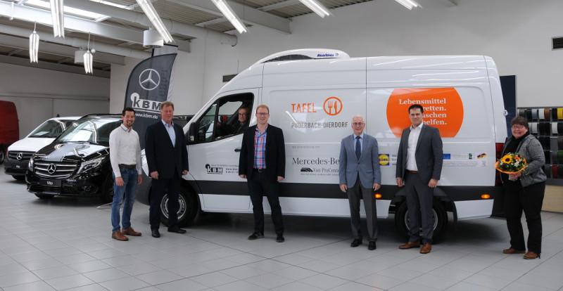 Tafel Puderbach-Dierdorf nimmt Kühlfahrzeug in Betrieb