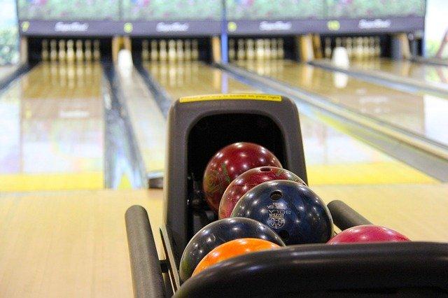 Unbekannte brechen ins Kirchener Bowling-Center ein