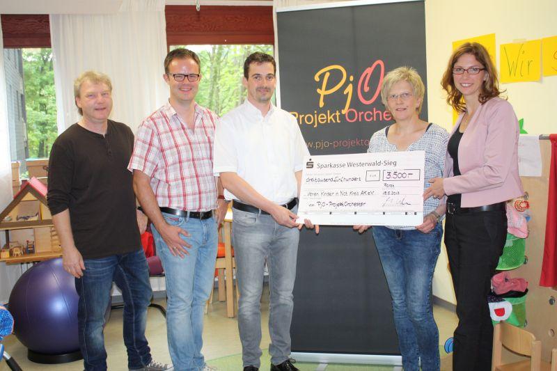 """Spende von 3.500 Euro geht an Verein """"Kinder in Not"""""""