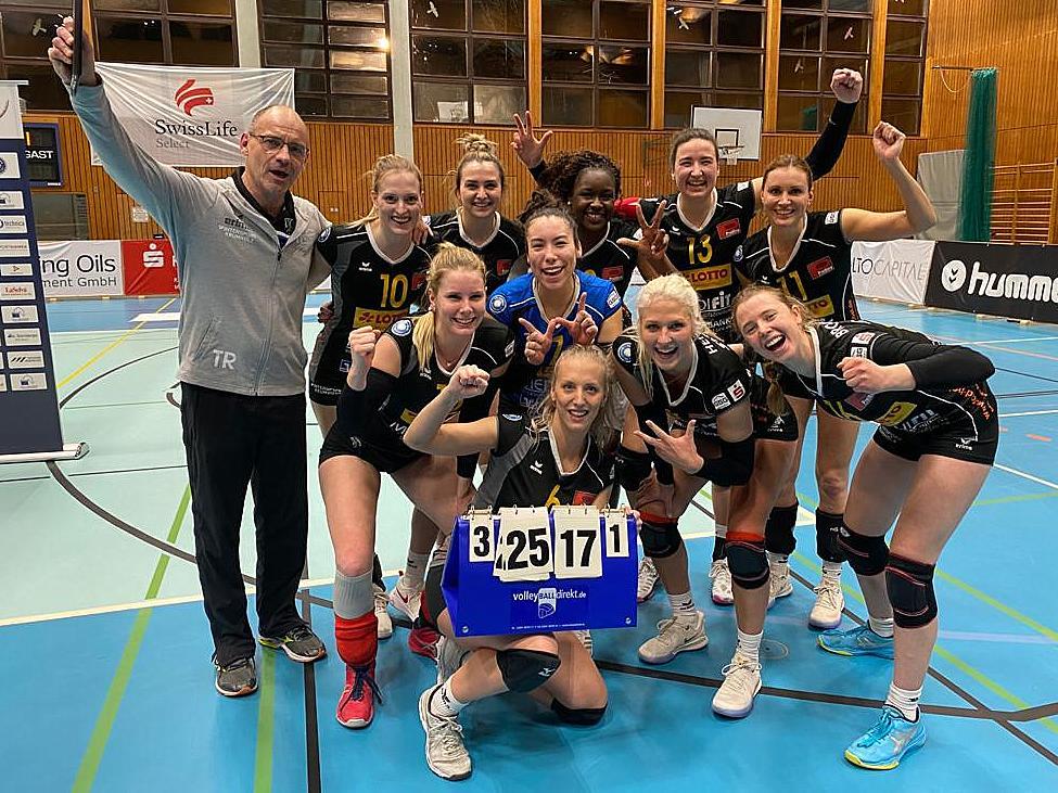 VC Neuwied siegt - Geburtstagsgeschenk für Jana Weller