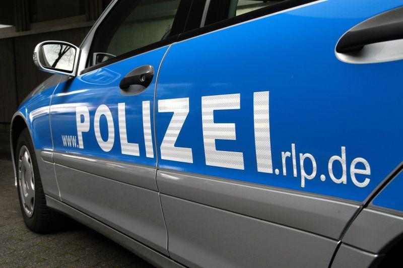 Diebstahl aus drei BMW Fahrzeugen in Hachenburg