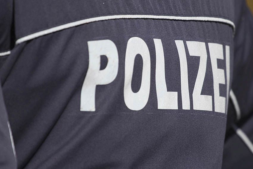 Randalierer im Bereich der Polizei Straßenhaus