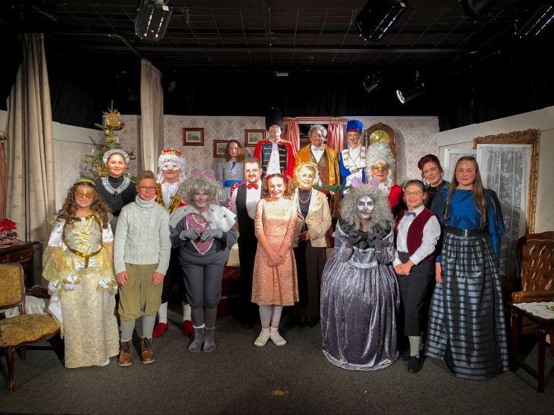 "Theatergruppe ""Nussknacker und Mausekönig"". Foto: Petermännchen-Theater"