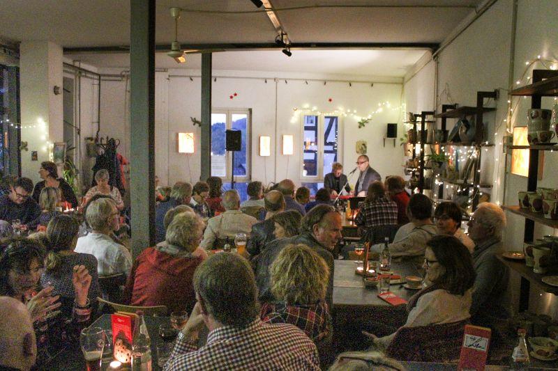 Viele Gäste beim Jazzkonzert im Café Libre
