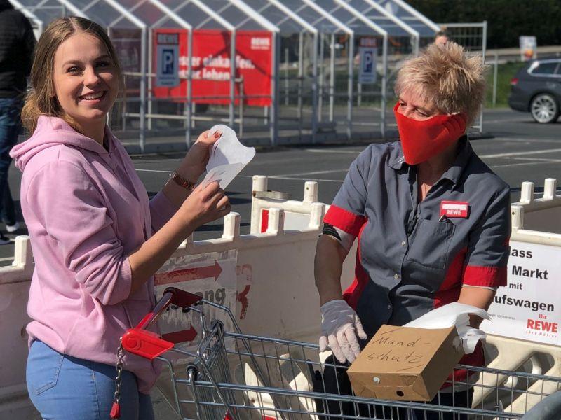 20.000 Einweg-Schutzmasken an Kunden verteilt