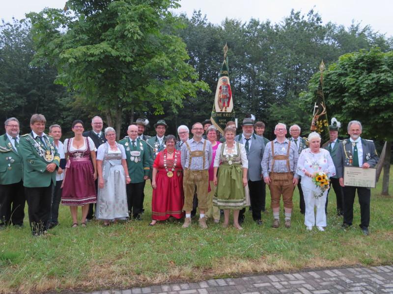 Schützen feierten Kirmes in Rothe-Kreuz