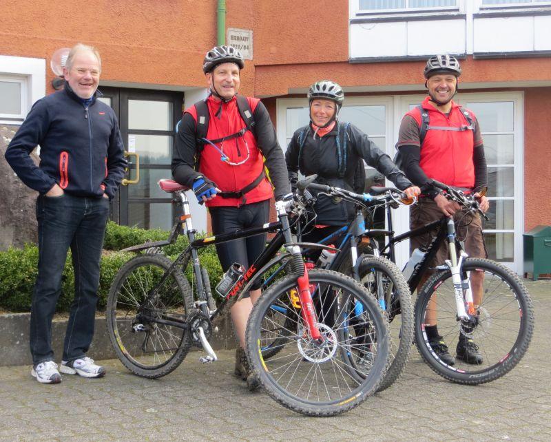 Freuen sich schon auf die Rad-Trilogie, die Rad-Guides des Kultur- und Verkehrsverein Limbach e.V. (KuV). Foto: Veranstalter