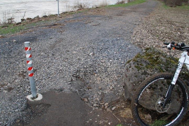 Ärger in Engers: Radweg durch Hochwasser beschädigt