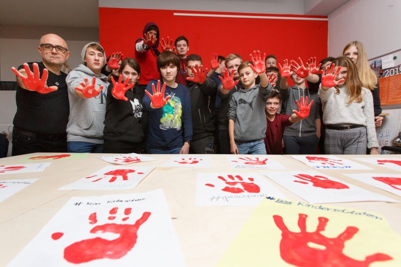 """Aktion """"Red HandDay"""" in Selters. Peter Bongard"""