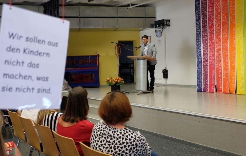 Bürgermeister Michael Mang bei seiner Ansprache. Fotos: privat