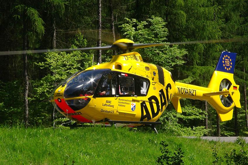 Motorradfahrerin nach Unfall im Saynbachtal schwerverletzt