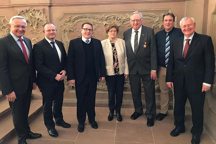 Ehrenbürger Dieter Rollepatz erhält Verdienstmedaille des Landes