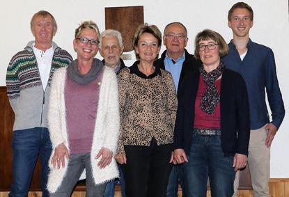 Der Vorstand: Willi Philipp, Karin Karl, Günter Schneider, Ruth Schnell, Hans-Martin Lindlohr, Manuela Reichert-Brenner und Niklas Ehlgen (v. links). Foto: anna